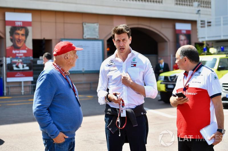 Niki Lauda, presidente no ejecutivo de Mercedes AMG F1, Toto Wolff, director de Motorsport de Mercedes AMG F1 y Frederic Vasseur, director de equipo de Sauber