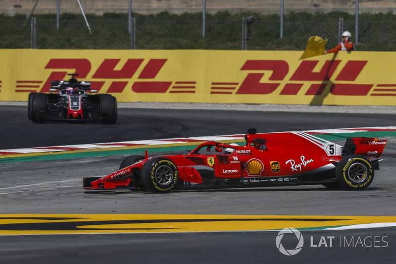 Sebastian Vettel, Ferrari SF71H se va de ancho