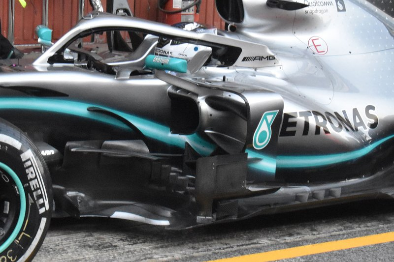 Бічна деталь Mercedes AMG F1 W10