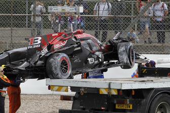 حادث سيارة رقم 1 فريق ريبيليون ريسينغ: أندريه لوتيرر، برونو سينا، نيل ياني