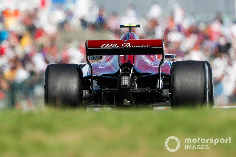 Leclerc tiene que retirarse de la carrera