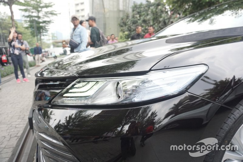 Lampu All New Toyota Camry Hybrid