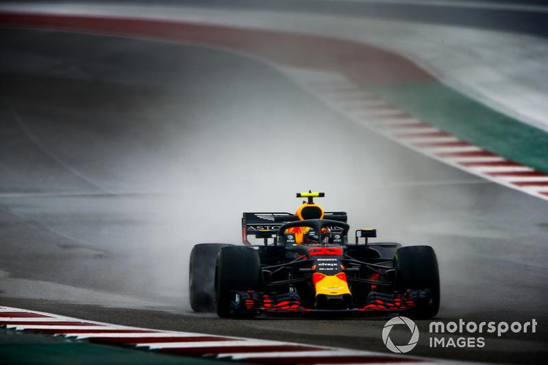 "<img src=""https://cdn-1.motorsport.com/static/custom/car-thumbs/F1_2018/CARS/redbull.png"" alt="""" width=""250"" /> Red Bull"