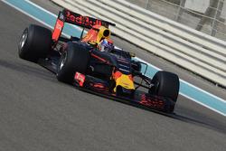 Max Verstappen, Red Bull Racing testing the new 2017 Pirelli tyres