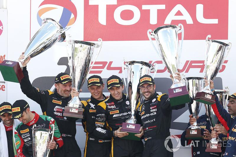 Pro-Am Podio: Ganador de la carrerar #16 Black Falcon Mercedes-AMG GT3: Oliver Morley, Miguel Toril, Maximilian Götz, Marvin Kirchhöfer
