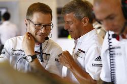 Андреас Зайдль, керівник команди Porsche Team LMP, Фріц Енцінгер, керівник Porsche Team LMP1