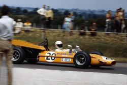 Derek Bell, McLaren M9A, Ford