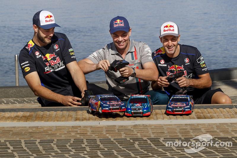 Shane van Gisbergen, Craig Lowndes, Jamie Whincup, Triple Eight Race Engineering, Holden, mit ferngesteuerten Autos