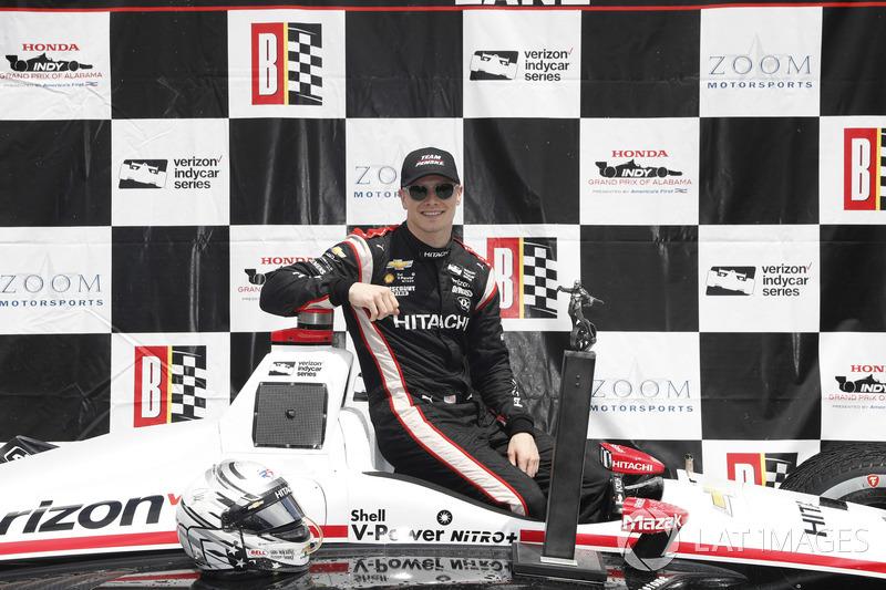 Josef Newgarden, Team Penske Chevrolet, sur le podium