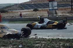 Pierluigi Martini, Minardi, an der Unfallstelle von Martin Donnelly, Team Lotus