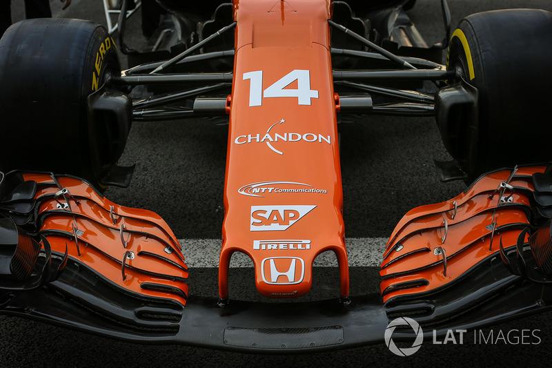 McLaren MCL32 burun ve ön kanat