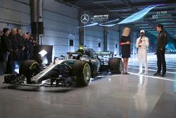 Lewis Hamilton, Mercedes AMG F1, Toto Wolff, directr ejecutivo Mercedes AMG F1
