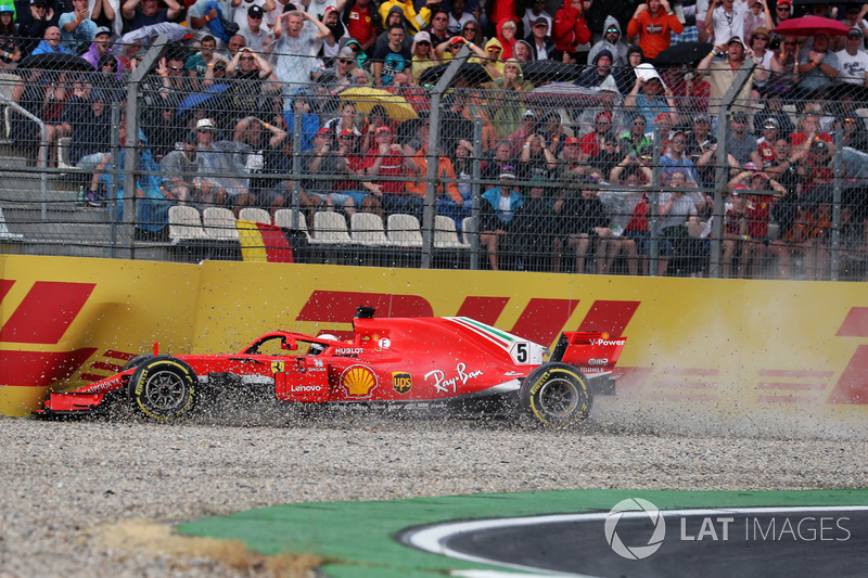 Sebastian Vettel, Ferrari SF71H crashes out of the race