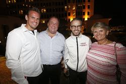 Tom Chilton, Sébastien Loeb Racing, Citroën C-Elysée WTCC. Tiago Monteiro, Honda Racing Team JAS, Ho
