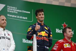Podium: ganador, Daniel Ricciardo, Red Bull Racing, segundo, Valtteri Bottas, Mercedes-AMG F1, tercero, Kimi Raikkonen, Ferrari