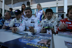 İbrahim Okyay, BMW 320si, Borusan Otomotiv Motorsport imza seansında