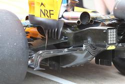 Vue détaillée de l'arrière de la McLaren MCL33