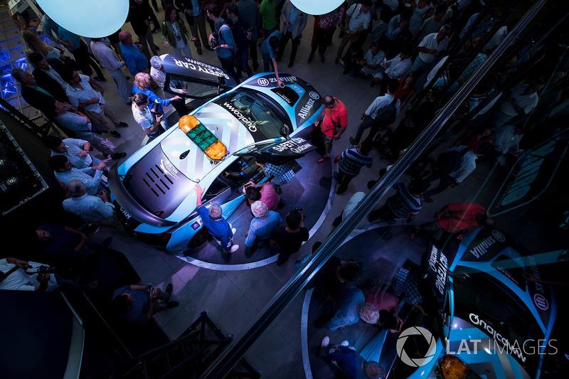 New BMW i8 Safety Car Livery