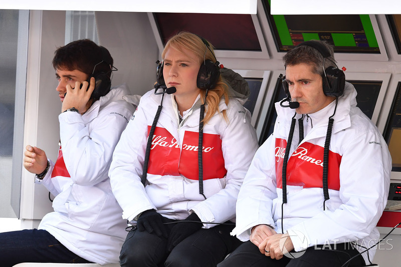 Charles Leclerc, Alfa Romeo Sauber F1 Team, Ruth Buscombe, Alfa Romeo Sauber F1 Team Race Strategist  and Xevi Pujolar, Alfa Romeo Sauber F1 Team Head of Track Engineering