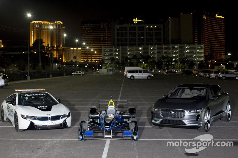 Автомобиль безопасности BMW i8, Spark DS Virgin и Jaguar I-Pace