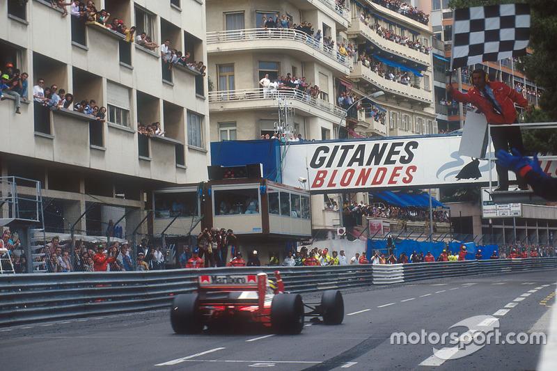 Ayrton Senna, McLaren MP4/7A takes the win