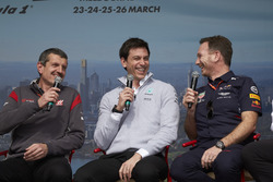 Guenther Steiner, Team Principal, Haas F1 Team, Toto Wolff, Executive Director (Business), Mercedes AMG, and Christian Horner, Team Principal, Red Bull Racing