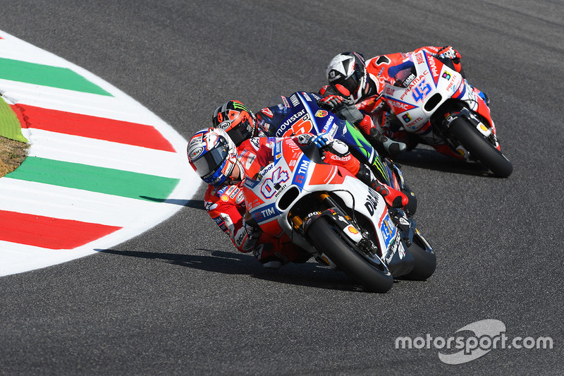 Andrea Dovizioso, Ducati Team; Maverick Viñales, Yamaha Factory Racing; Scott Redding, Pramac Racing