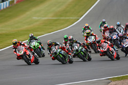 Chaz Davies, Ducati Team, prend la tête au départ