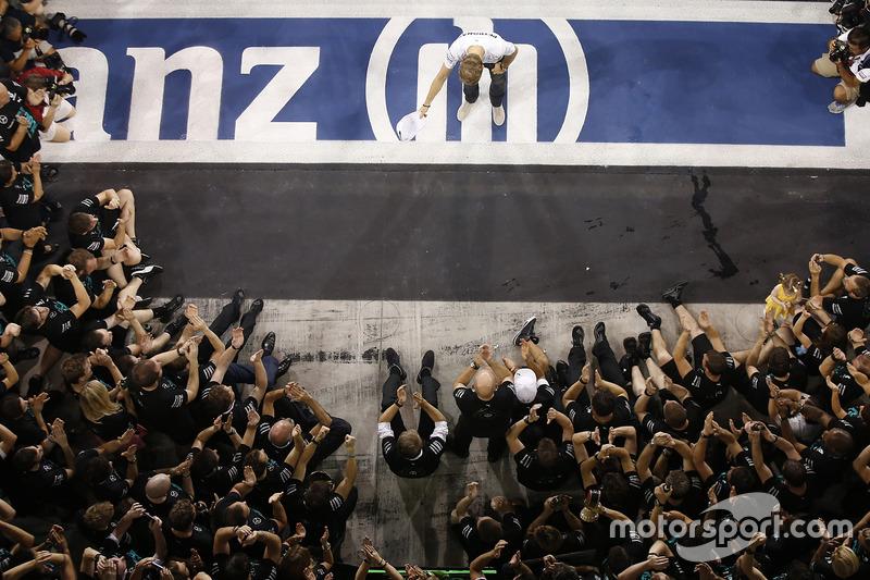 Nico Rosberg, Mercedes AMG F1 dopo aver chiuso al secondo posto il Campionato Mondiale