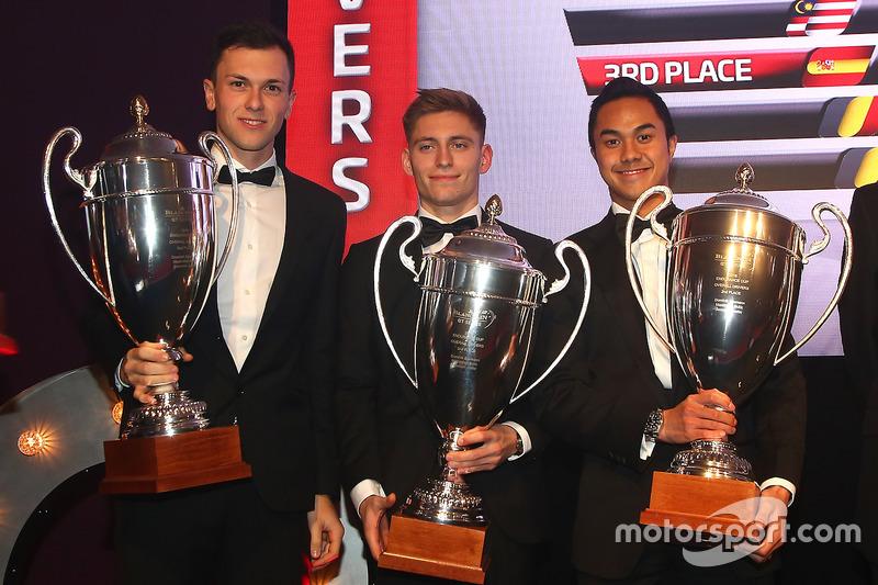 2016 Copa Endurance todos los pilotos, Dominik Baumann, Maximilian Buhk, Jazeman Jafaar, segundo lugar