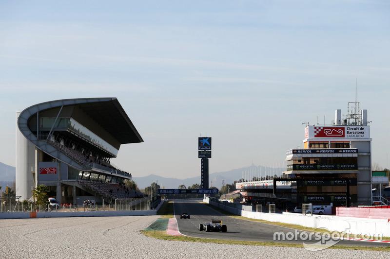 Kevin Magnussen (DEN) Renault Sport F1 Team RS16
