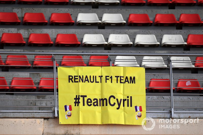 Fans banner for Cyril Abiteboul, Renault Sport F1 Managing Director