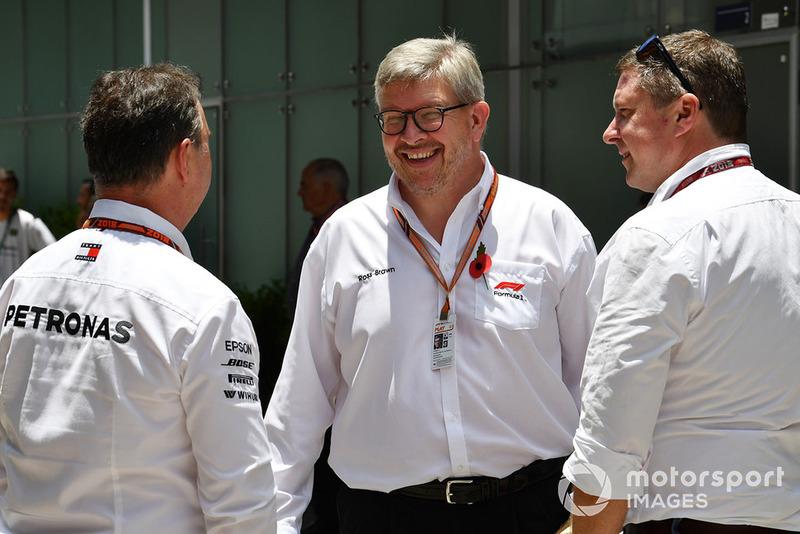 Ron Meadows, team manager Mercedes AMG F1, Ross Brawn, directeur de la compétition du Formula One Group et David Croft, commentateur Sky TV