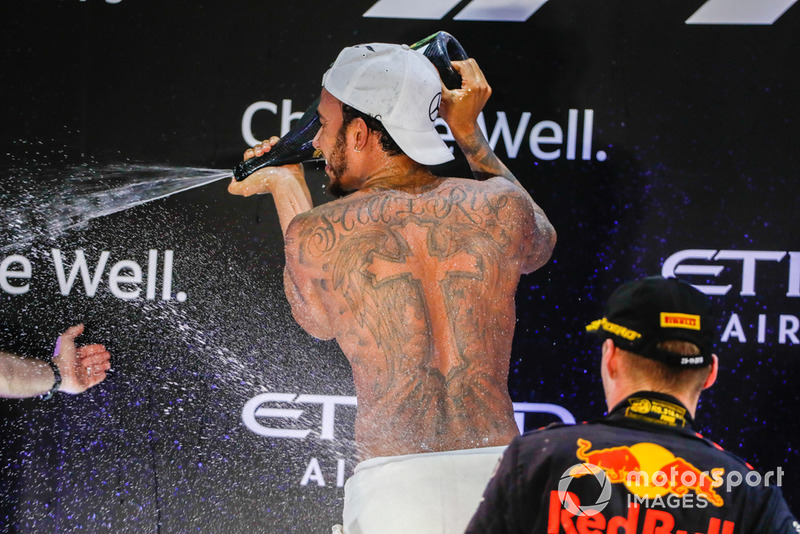 Winnaar: Lewis Hamilton, Mercedes AMG F1 W09 EQ Power+