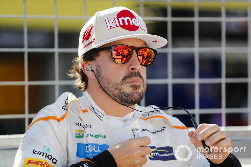 """Fernando Alonso: """"Mesmo quando o piloto vem pedir desculpas, acho que é difícil entender a decisão. Mas isso [mostra] o quão ruim está a F1"""""""