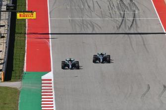 Lewis Hamilton, Mercedes-AMG F1 W09 passes Valtteri Bottas, Mercedes-AMG F1 W09