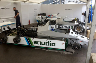 Williams FW08B (6 roues) et FW08C (4 roues)