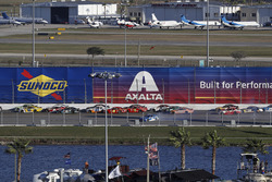 Elliott Sadler, JR Motorsports, OneMain Financial Chevrolet Camaro, crash
