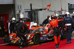 #26 G-Drive Racing Oreca 07 - Gibson: Roman Rusinov, Andrea Pizzitola, Jean-Eric Vergne, dans les stands
