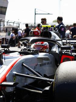 Kevin Magnussen, Haas F1 Team VF-18, sur la grille