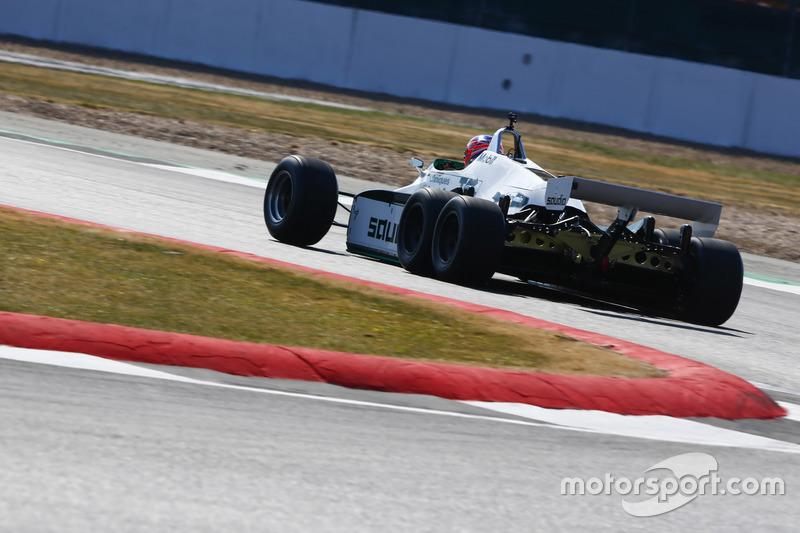 Jenson Button guida una Williams FW08B del 1982
