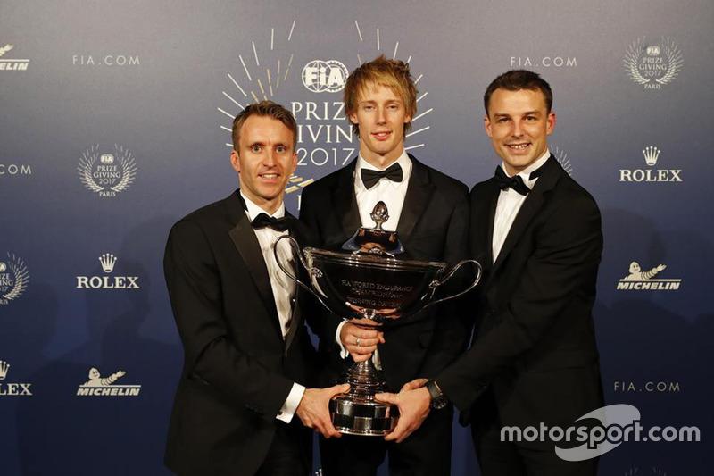 Brandon Hartley con Timo Bernhardt y Earl Bamber