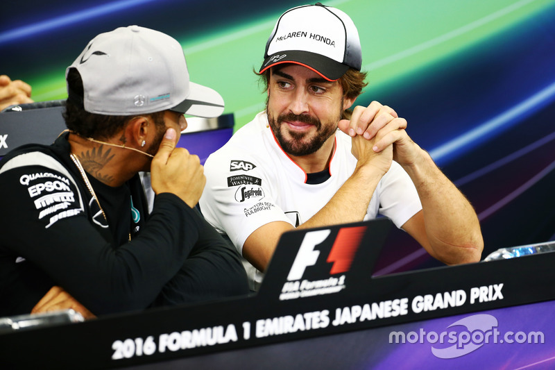 (L to R): Lewis Hamilton, Mercedes AMG F1 and Fernando Alonso, McLaren in the FIA Press Conference
