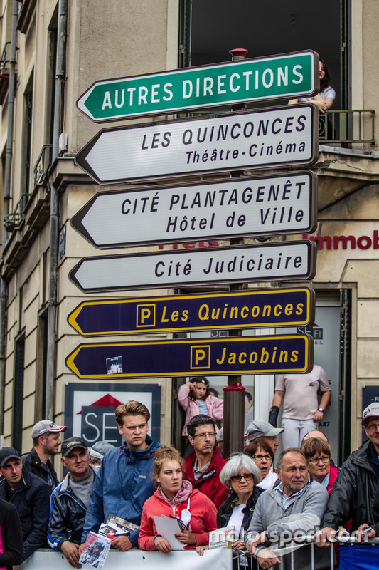 Le Mans sokak tabelaları