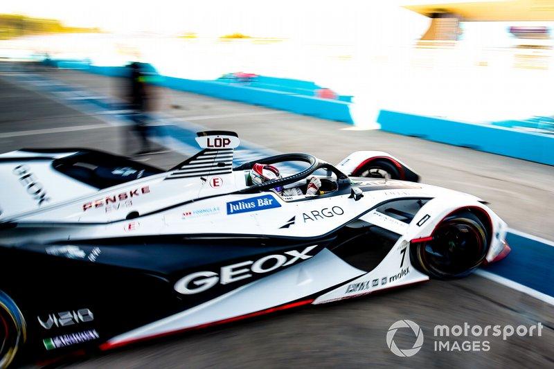 Jose Maria Lopez, GEOX Dragon Racing, Penske EV-3, esce dal garage