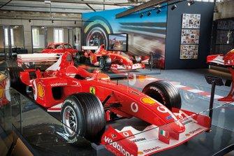 Le monoposto di F1 di Michael Schumacher in esposizione