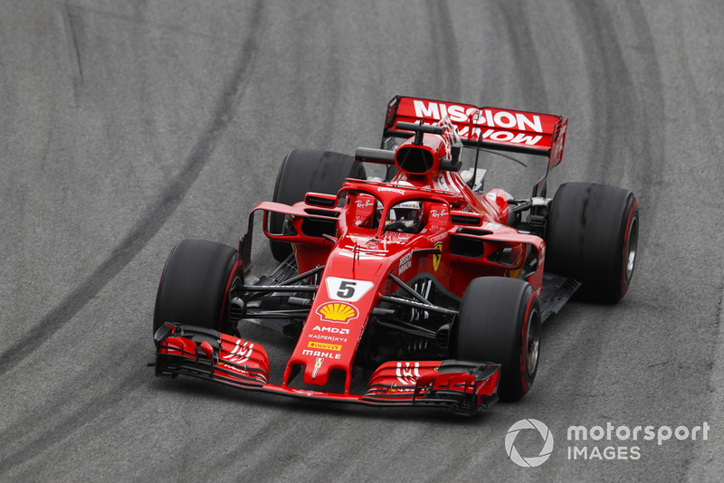 2: Sebastian Vettel, Ferrari SF71H, 1'07.374