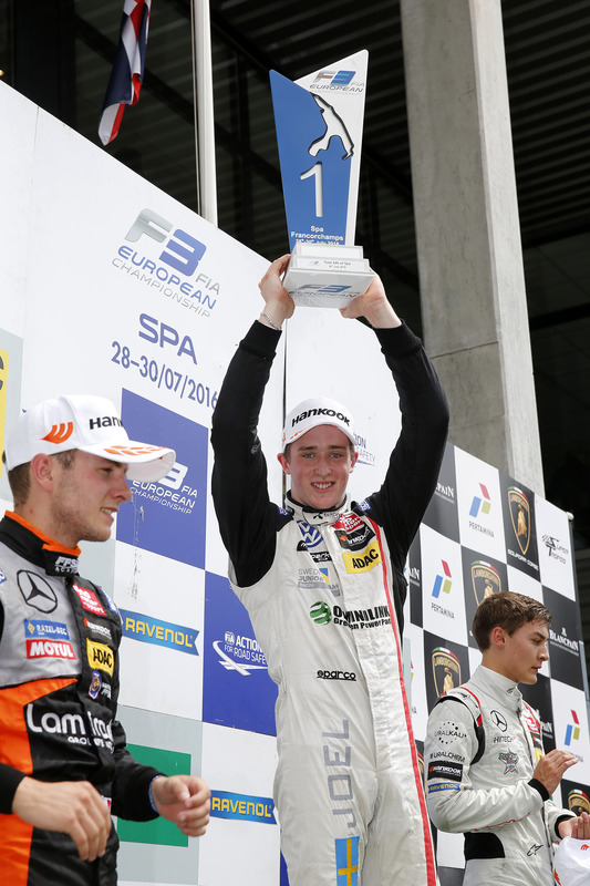 Podium: Race winner Joel Eriksson, Motopark, Dallara F312 - Volkswagen