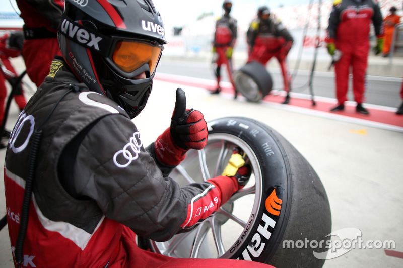 Mechaniker: Audi Sport Team Abt