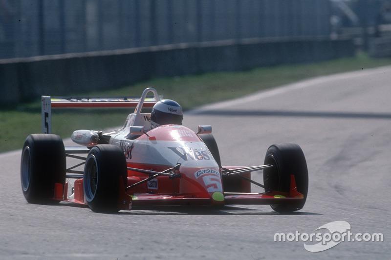 1990: Міхаель Шумахер стає чемпіоном німецької Формули 3